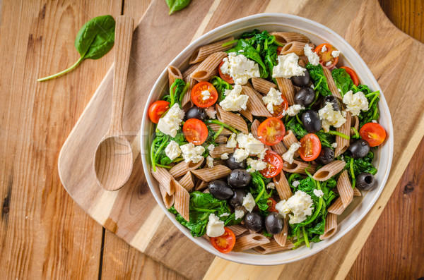 Grieks salade olijven hout boord Stockfoto © Peteer