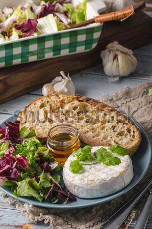 Ontbijt hout boord houten tafel eieren peper Stockfoto © Peteer