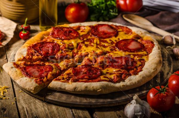 Stok fotoğraf: Rustik · salam · pizza · çedar · peynir · chorizo
