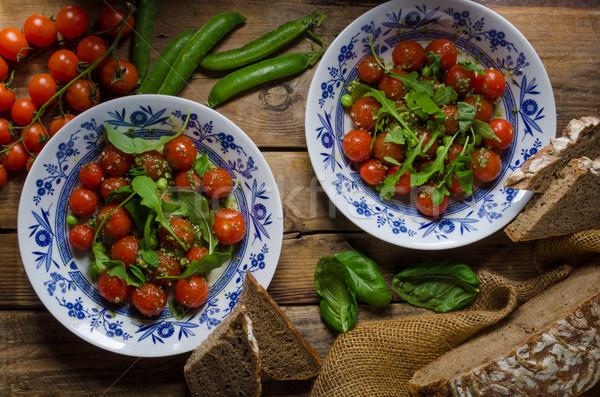 Salata kiraz domates fesleğen pesto bezelye otlar Stok fotoğraf © Peteer