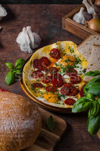 Chorizo ierburi proaspăt pâine gustos bio Imagine de stoc © Peteer