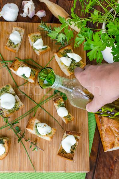 Tost mozzarella zeytinyağı otlar sarımsak keklikotu Stok fotoğraf © Peteer