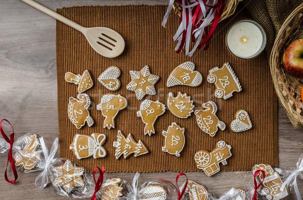 Lebkuchen Aufkommen Kalender hausgemachte Liebe Essen Stock foto © Peteer
