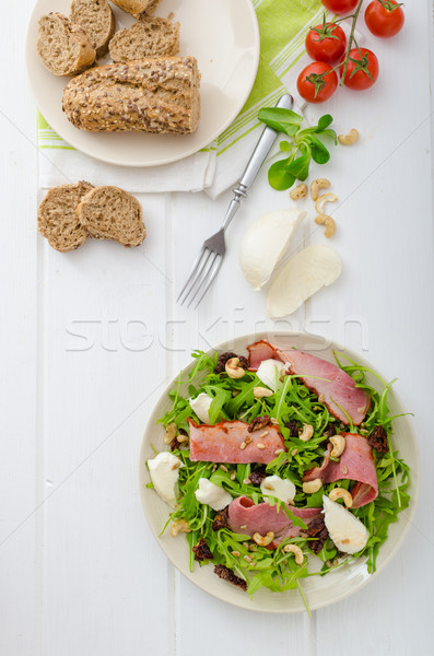 Сток-фото: Салат · мяса · моцарелла · копченый · помидоров · орех · кешью