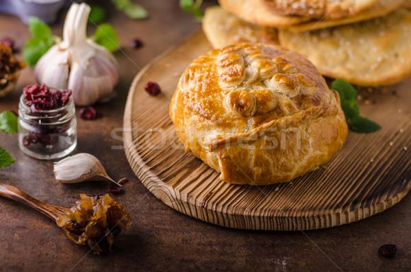 Bourré camembert baies délicieux alimentaire Photo stock © Peteer