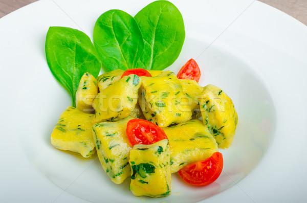 Spenót olvadt vaj koktélparadicsom tavasz étel Stock fotó © Peteer