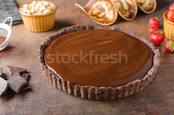 Finom karamell csokoládé torta diók eprek Stock fotó © Peteer