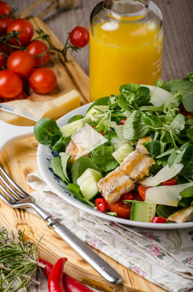 Salade gegrilde kip vers parmezaan achtergrond kip Stockfoto © Peteer