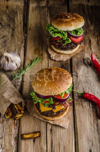 Sığır eti Burger rustik stil kırmızı biber Stok fotoğraf © Peteer