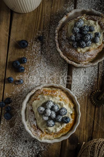Rústico estilo tarta de queso simple bayas lugar Foto stock © Peteer