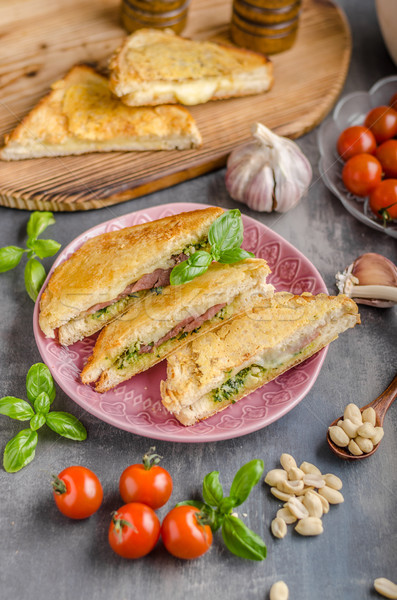 Stok fotoğraf: Pesto · peynir · sandviç · hızlı · yemek · yeşil