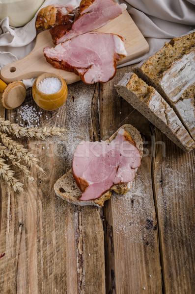 Fumado carne caseiro pão simples rústico Foto stock © Peteer