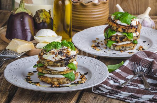Mozzarella berenjena vegetariano plato nueces albahaca Foto stock © Peteer