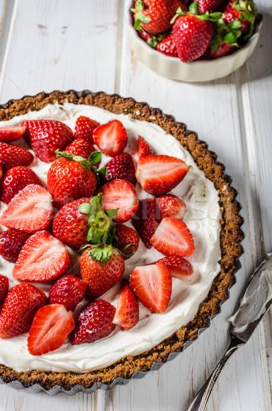Cheesecake fragole bio fatto in casa giardino Foto d'archivio © Peteer