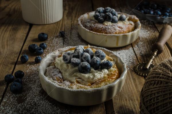 Rustique style cheesecake simple baies lieu Photo stock © Peteer