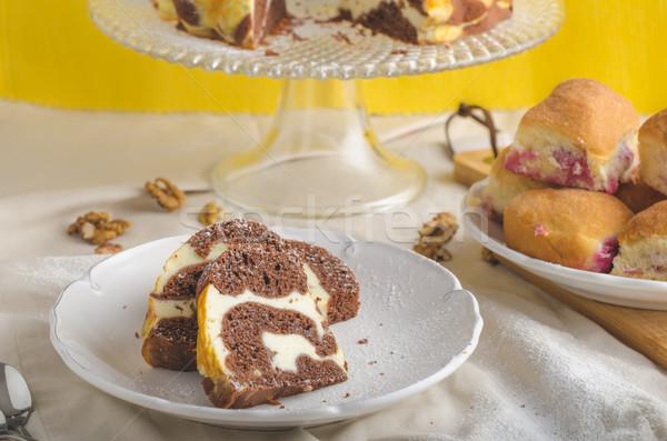 Twaróg ciasto nadziewany domowej roboty Zdjęcia stock © Peteer