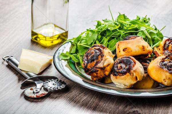 Pizza salada madeira conselho restaurante queijo Foto stock © Peteer