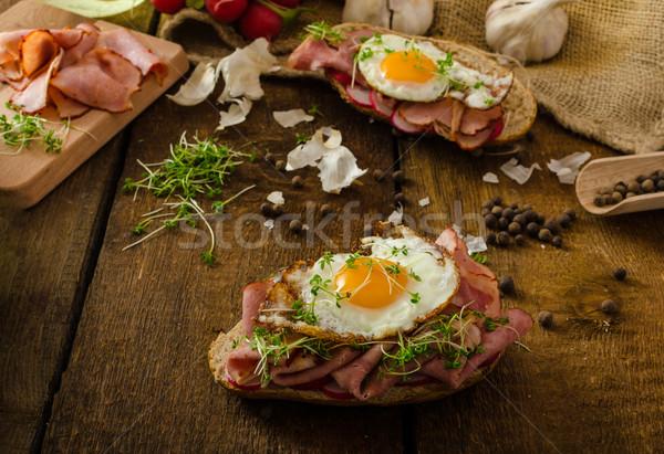 Fumado presunto sanduíche rústico pão Foto stock © Peteer