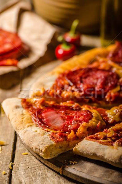 素朴な サラミ ピザ チェダー チーズ チョリソ ストックフォト © Peteer