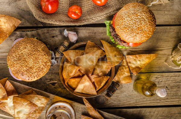 Amerikan rustik Burger domuz pastırması çedar sığır eti Stok fotoğraf © Peteer