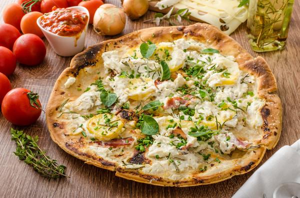 Pizza Rosmarin Kartoffeln Käse Knoblauch Kräuter Stock foto © Peteer