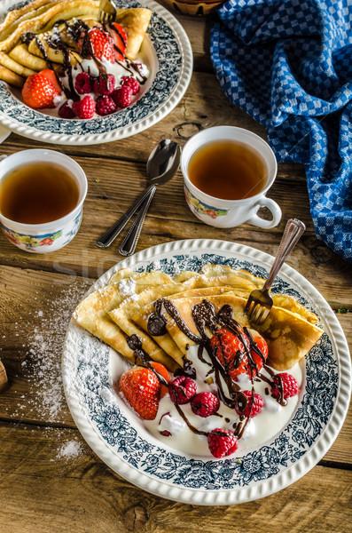 Stock fotó: Palacsinták · bogyók · házi · készítésű · tejföl · étcsokoládé · cukor