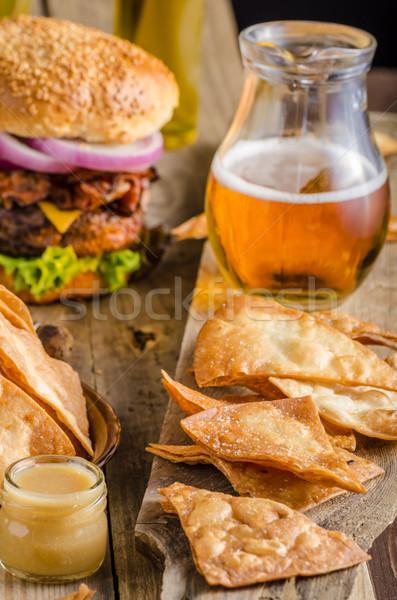 Stock fotó: Házi · készítésű · nachos · rusztikus · hamburger · amerikai · szalonna
