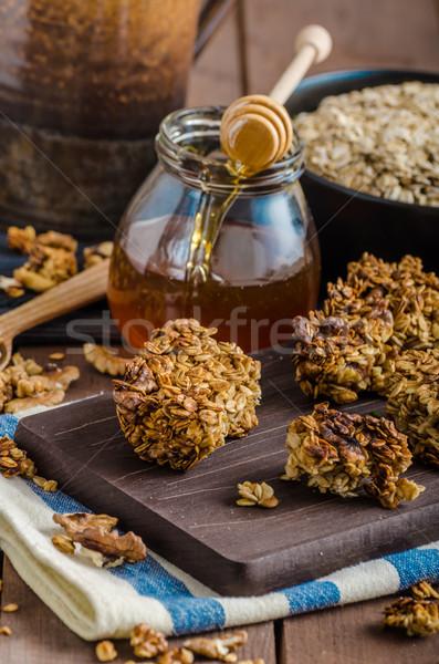 Granola nozes mel doméstico delicioso Foto stock © Peteer