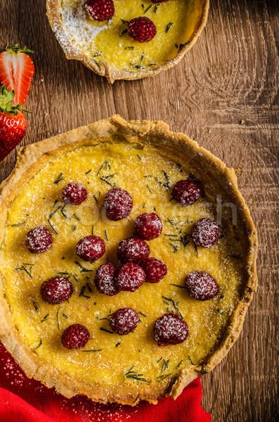 Limón tarta romero bayas crema madera Foto stock © Peteer