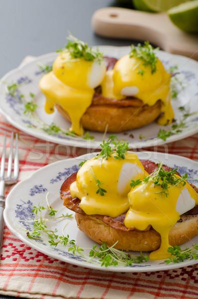 яйца прошутто продовольствие фон хлеб пластина Сток-фото © Peteer