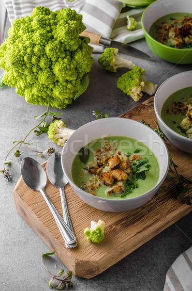 Yeşil karnabahar çorba ekmek akşam yemeği yeme Stok fotoğraf © Peteer