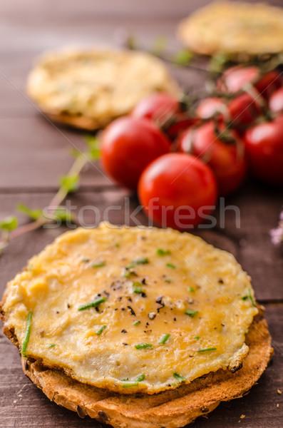 Klein knapperig gebak vers tomaten kruiden Stockfoto © Peteer