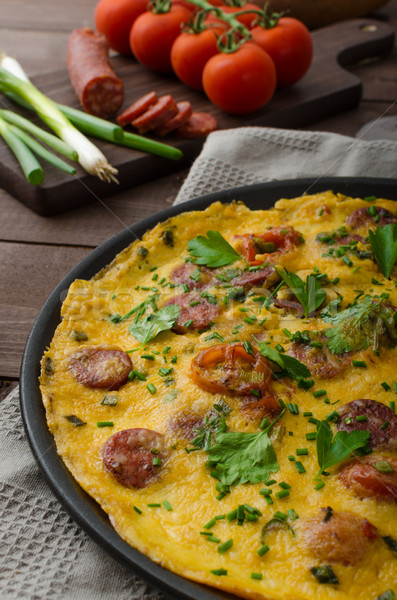 Foto stock: Chorizo · salchicha · hierbas · tomates · alimentos · huevo