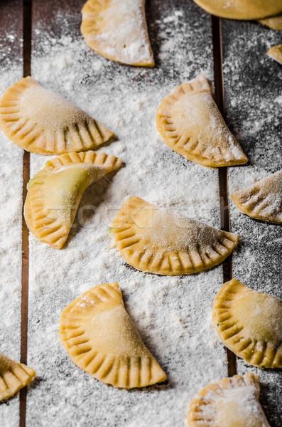 Casero tortellini pesto relleno queso cena Foto stock © Peteer