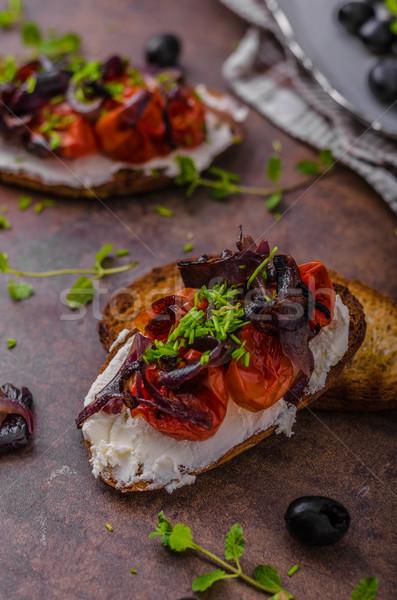 Pirítós pörkölt zöldség friss sajt vöröshagyma Stock fotó © Peteer