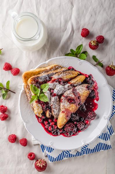 Français Toast fruits forêt fruits réduction Photo stock © Peteer