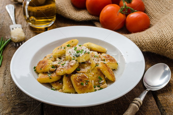 Casero papa nueces parmesano queso parmesano frescos Foto stock © Peteer