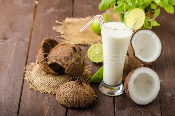 Leche de coco beber delicioso completo nutrición vitaminas Foto stock © Peteer