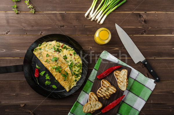 Sajt újhagyma gyógynövények chilli pörkölt kenyér Stock fotó © Peteer
