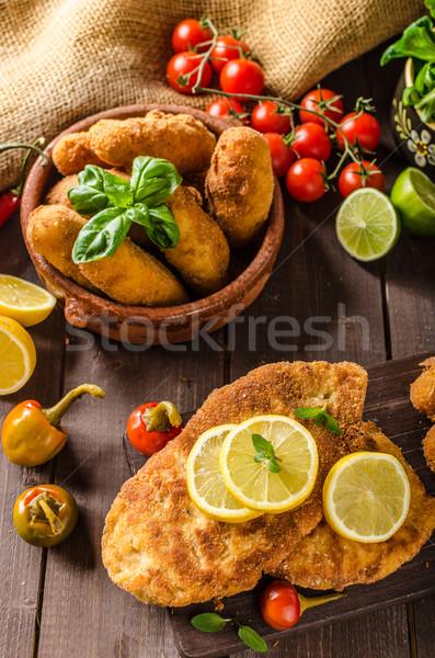 Foto stock: Frango · caseiro · batata · queijo · pimenta · fundo
