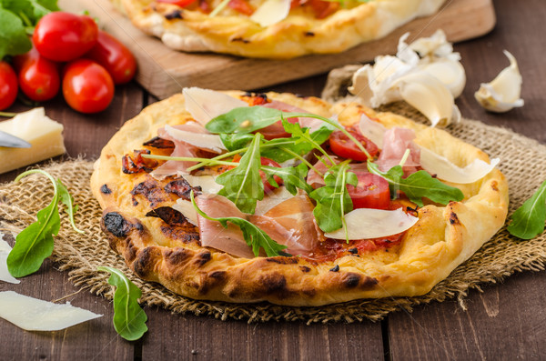 Italien pizza parmesan prosciutto faible Photo stock © Peteer