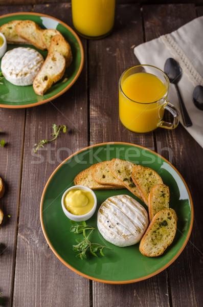 Grelhado queijo camembert brinde suco fresco torrado Foto stock © Peteer