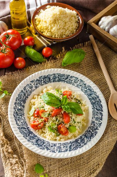 Couscous pesto tomates rápido delicioso comida vegetariana Foto stock © Peteer