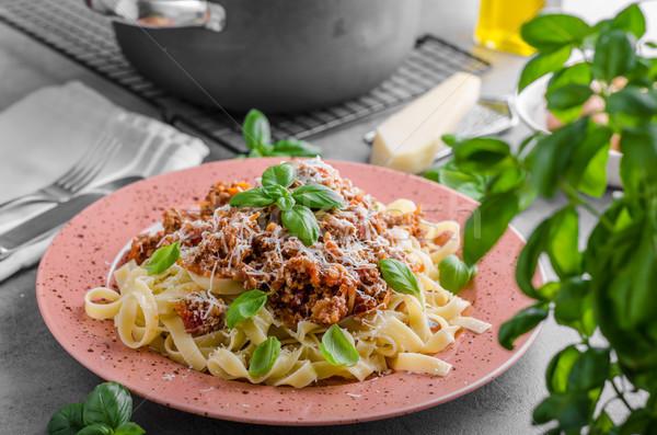 Pasta alimentare fresche basilico erbe sfondo Foto d'archivio © Peteer