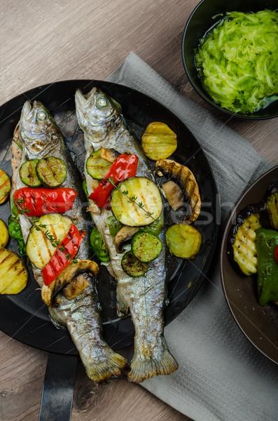 Gegrild forel middellandse zee groenten vers vis Stockfoto © Peteer