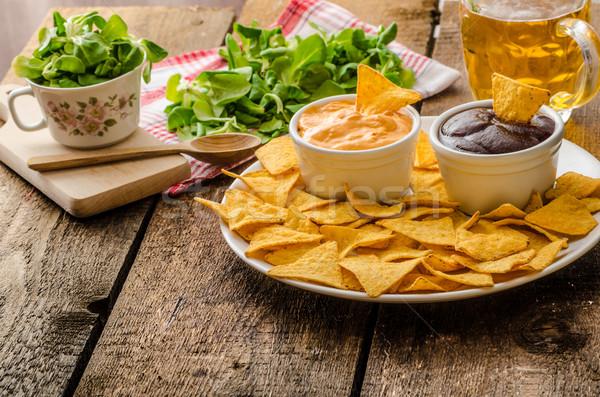 плоская маисовая лепешка чипов сыра соус барбекю чешский Сток-фото © Peteer