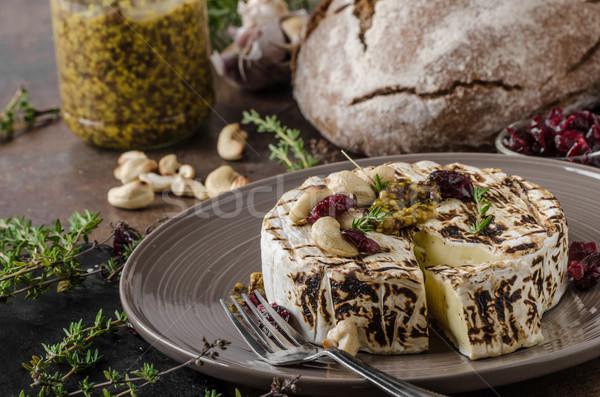 A la parrilla camembert queso delicioso de comida rápida cremoso Foto stock © Peteer
