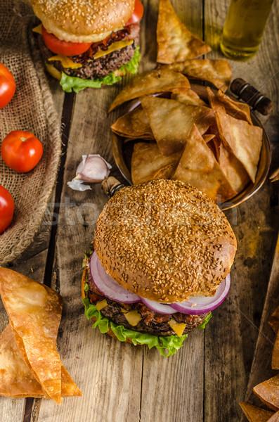 Amerikai rusztikus hamburger szalonna cheddar marhahús Stock fotó © Peteer