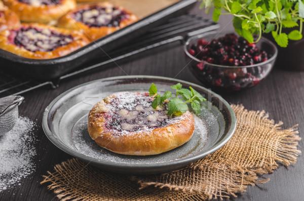 Rústico mini torta bayas azúcar alimentos Foto stock © Peteer
