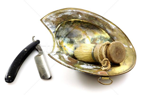 Oude scheermes borstel schotel witte metaal Stockfoto © peter_zijlstra